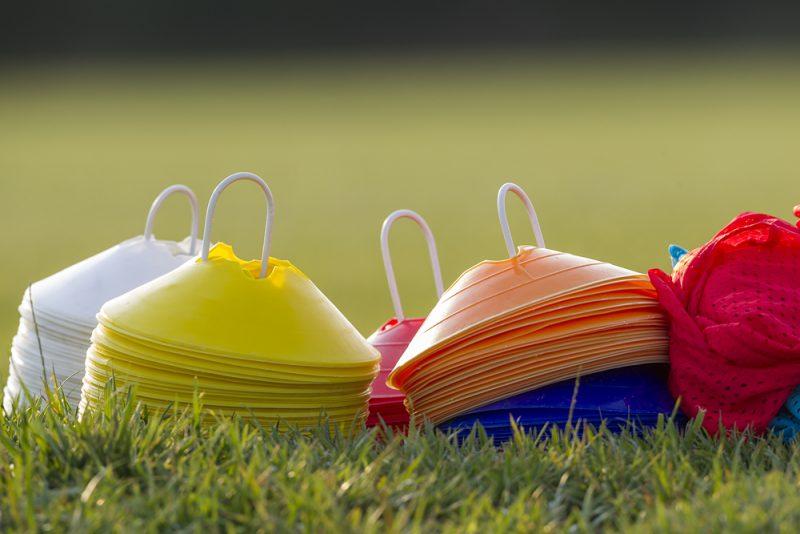 Choisir le bon matériel pédagogique pour votre terrain de sport
